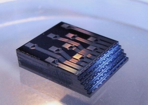 IBM i 3M opracowują technologię składania układów w stosy 3D