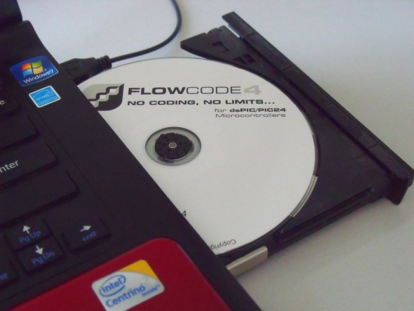 FlowCode. Obsługa klawiatury matrycowej, deklarowanie zmiennych. Symulator.
