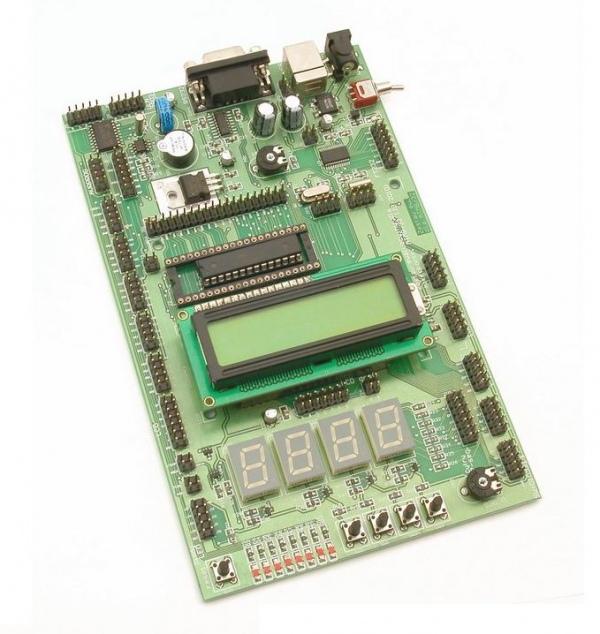 Płytka ewaluacyjna dla mikrokontrolerów ATmega8/32