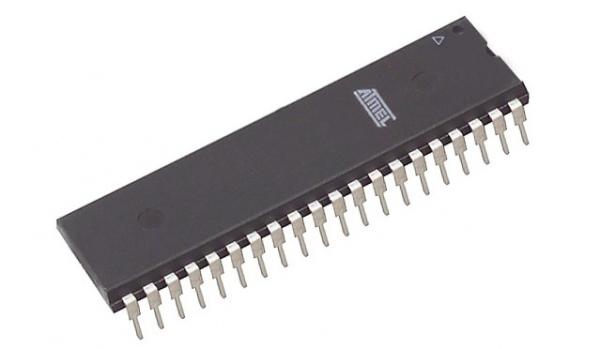 Różnice w sposobach zapisu wewnętrznych pamięci  EEPROM AT89S8252 i T89C51RD2