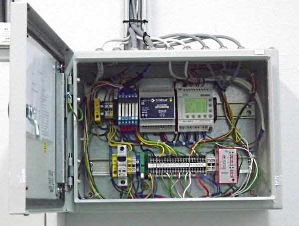 Sterownik PLC Alpha2. Moduł wyjść analogowych AL2-2DA (3/3)